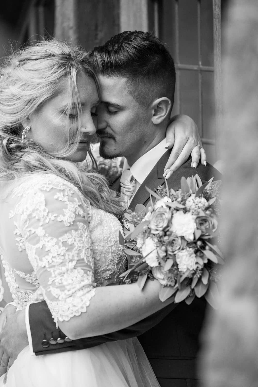 Kristina & Davis - Ihr Hochzeitsfotograf in Pforzheim - 044-